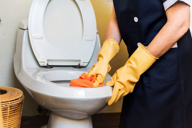 Cleaning up toilet